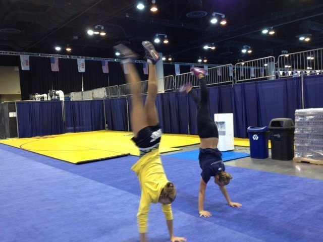 The US Gymnastics Trials were held earlier in the month, but Cal swimmers Dana Vollmer and Catherine Breed are still ready with some impressive handstands (@DanaVollmer) (@Cat_322)