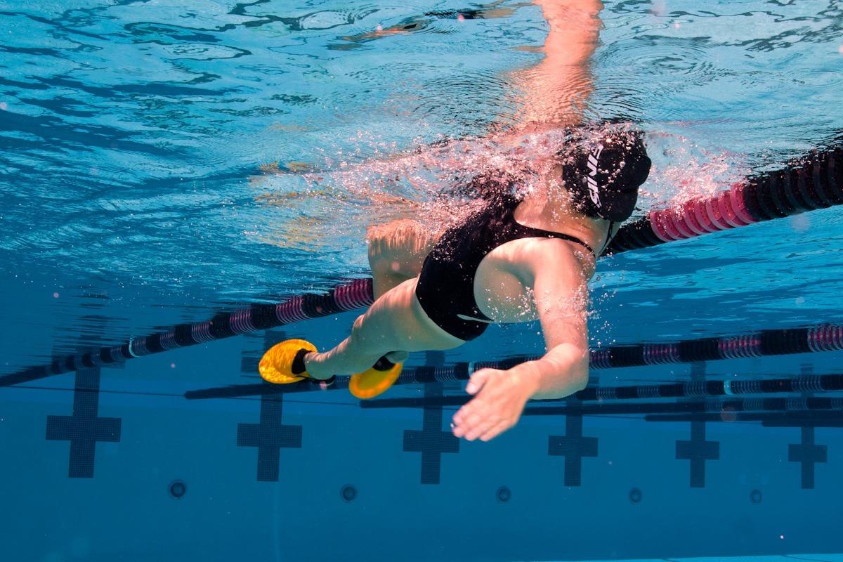 how to swim breaststroke properly