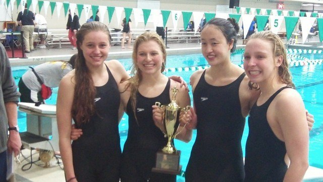 Oakton's 400 free relay team