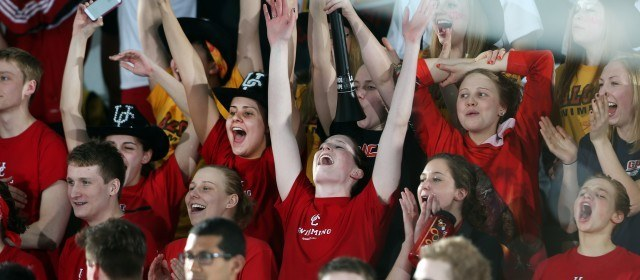 Calgary Dino Fans, CIS Swimming Championships presented by Team Aquatic Supplies (Swim Photo Credit: David Moll / University of Calgary)