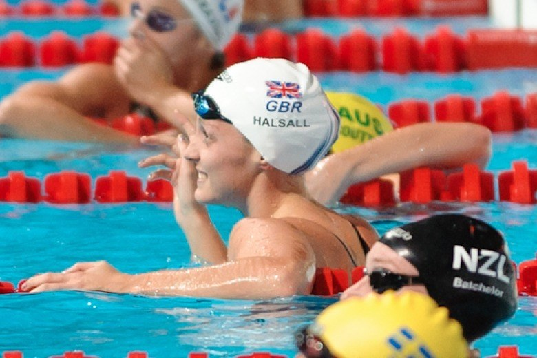 Fran Halsall breaks British 50 back record at Tokyo World Cup