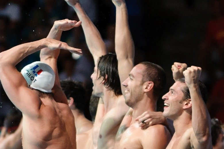 2013 Worlds: France Celebrates the Men's 4×100 Medley Relay Victory in Photos