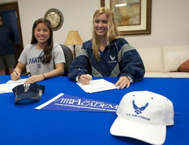 (NLI Photos) 4 GPAC Swimmers Sign National Letter of Intent This Past Week