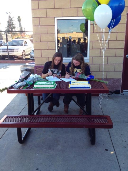 (NLI PHOTOS): Napa Valley Teammates Swanson and Murphy Sign Letters