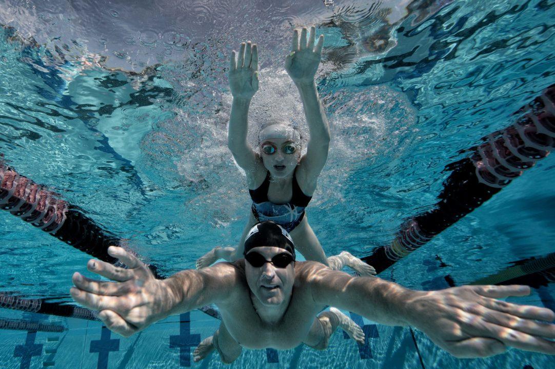 Il Nuoto collante della Famiglia-Perchè i Genitori dovrebbero Nuotare?
