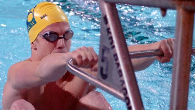 UNCW's Halonen Wins 5th CAA Swimmer of the Week Award of the Season