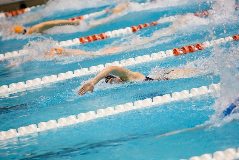 Dartmouth Men, UMass Women Lead After 1st Session of Dartmouth Invitational