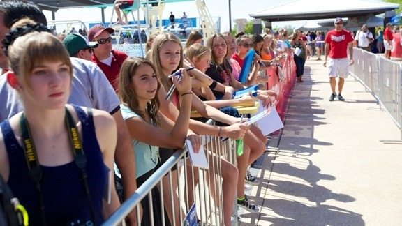 The autograph line is growing at the 2014 Arena Grand Prix in Mesa (courtesy of Rafael Domeyko, rafaeldomeyko.com)
