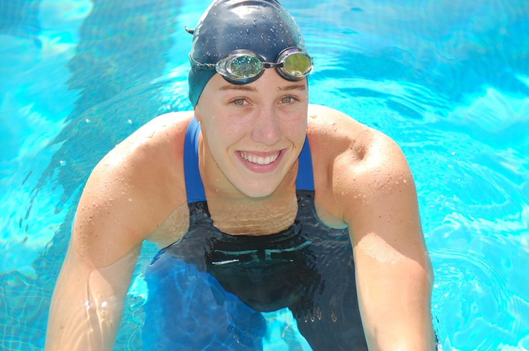 Abbey Weitzeil Breaks Both 50 and 100 Freestyle National High School Records