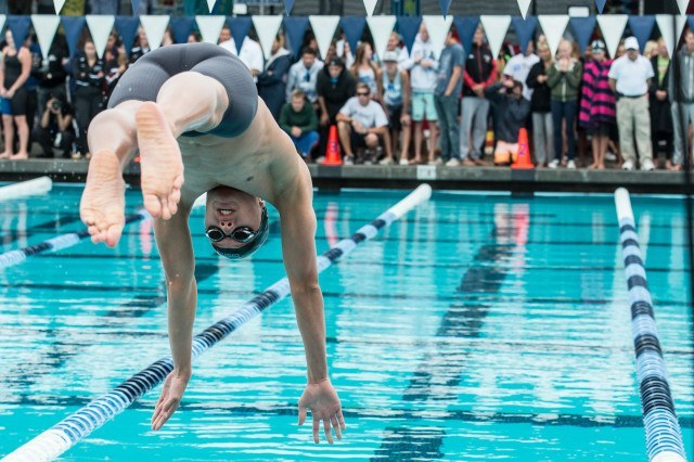 La Jolla High School Senior Zach Wallace in the finals of the 200 IM (photo: Mike Lewis, Ola Vista Photography)