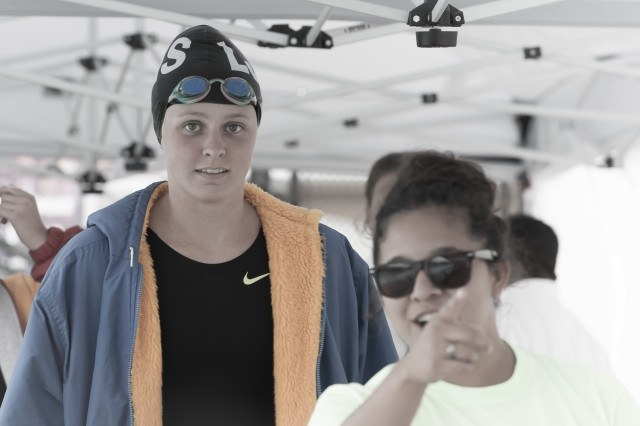 LJHS Freshman Kira Frankie in the finals of the girls 200 free (photo: Mike Lewis, Ola Vista Photography)