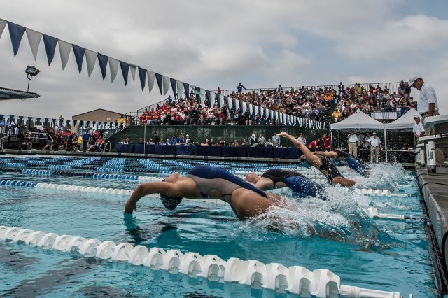 Relay time - start of the girls 200 medley relay (photo: Mike Lewis, Ola Vista Photography)