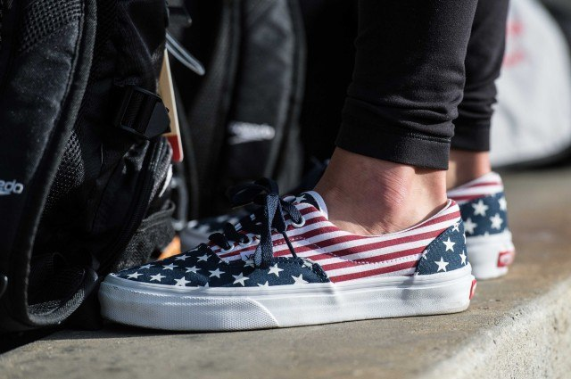 Elizabeth Beisel patriotic down to the shoes (photo: Mike Lewis, Ola Vista Photography)