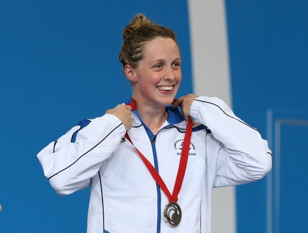Hannah Miley accepts her 200 IM medal. Courtesy of Scottish Swimming.