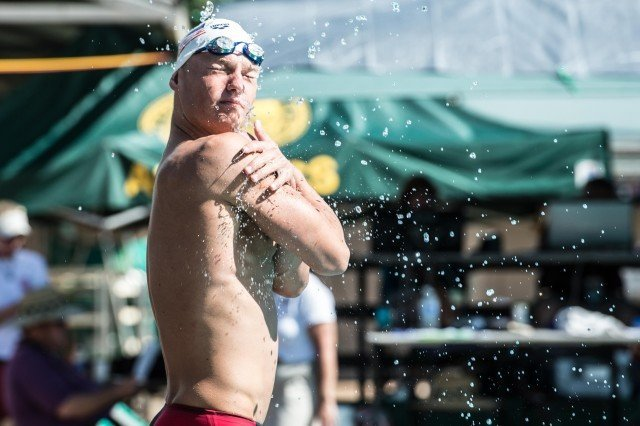 Seliskar getting ready for the prelim heat of the 200 IM (photo: Mike Lewis, Ola Vista Photography)