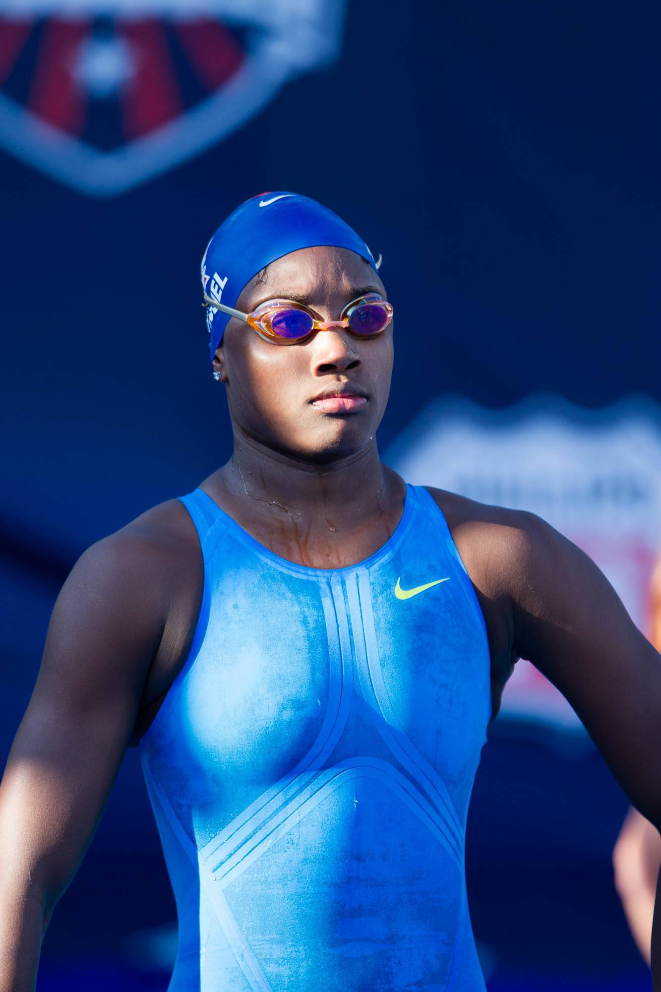 Simone Manuel Breaks One-Day Old Nag Record In 50 Free To -3154