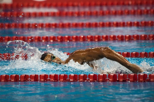 Ous Mellouli swims to the top seed in the men's 400 free with a 3:47.73. Courtesy: FINA Mastbank World Cup - Doha