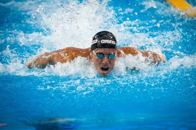 Roland Schoeman took the top seed in the men's 50 fly to finish prelims. He swam a 22.91, and also has the #2 seed in the men's 50 breaststroke. Courtesy: FINA Mastbank World Cup - Doha