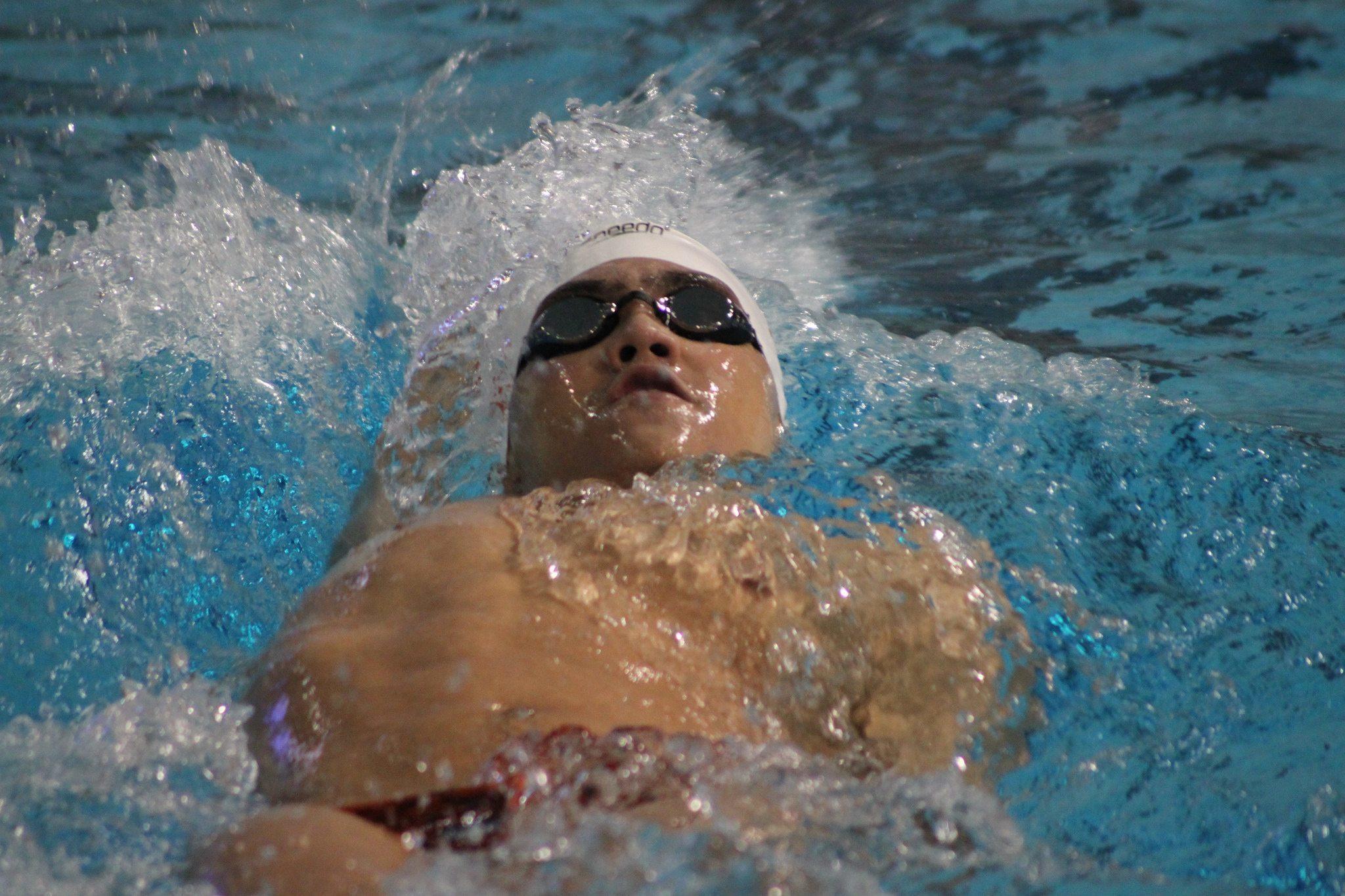 dual meet swimming