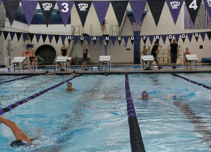 7 Swimmers Commit to TCU Swimming and Diving