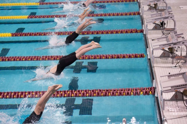 Start of the women's 500 free (photo: Mike Lewis, Ola Vista Photography)