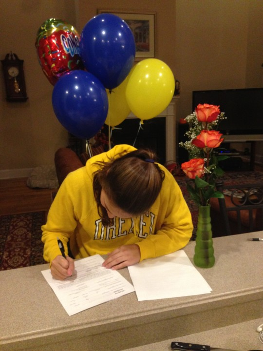 Tennessee State Finalist April Forsthoffer Signs with Drexel University
