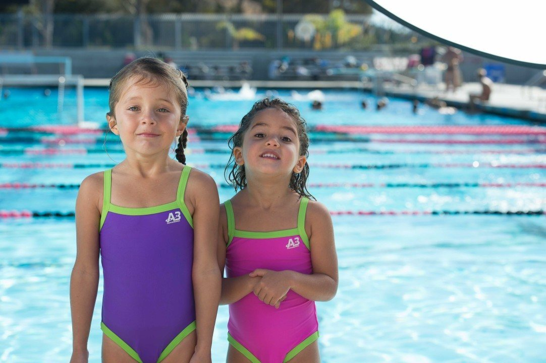 5 Tips to Encourage Nervous Swimmers