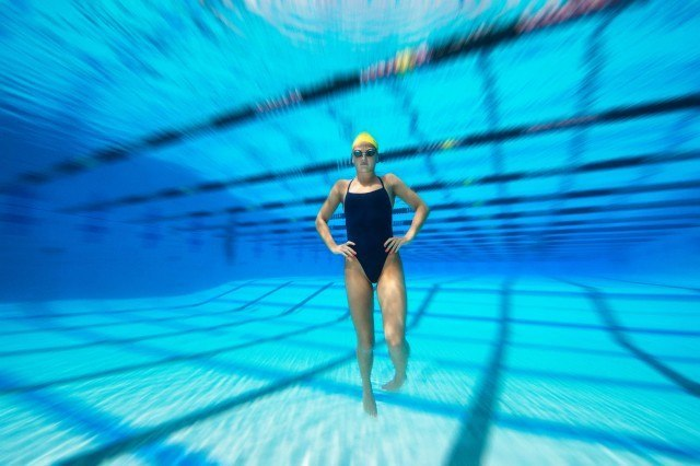 underwater swimming photograph