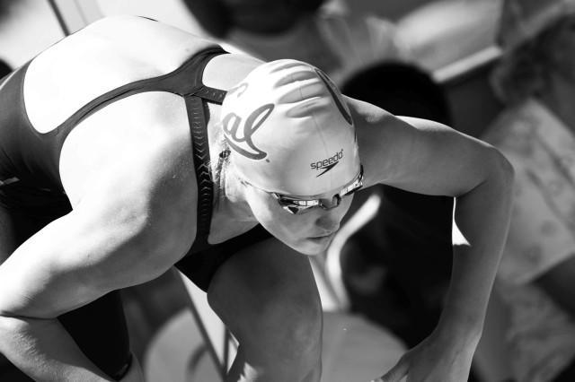 Elizabeth Pelton prelims 100 free 2015 Santa Clara Pro Swim (photo: Mike Lewis, Ola Vista Photography)