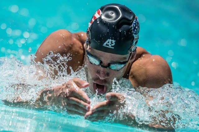 Michael Weiss in the 400IM at the Arena Pro Swim Series in Santa Clara (photo: Mike Lewis, Ola Vista Photography)