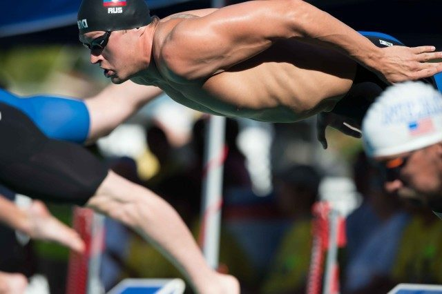 Nikita Lobintsev off the blocks in the A final of the 200 free (photo: Mike Lewis, Ola Vista Photography)