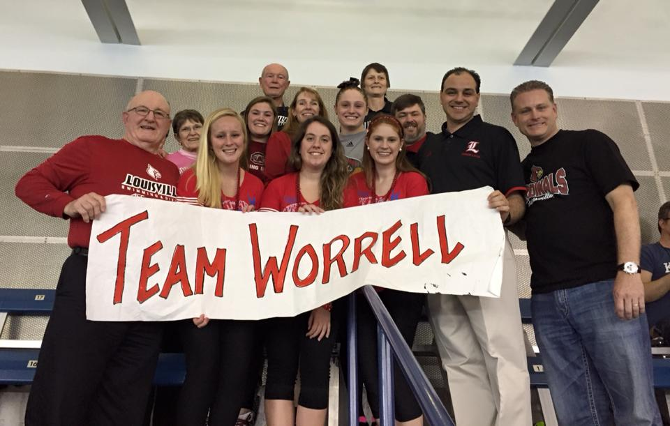 #SwimMomMonday: Meet Erica, Mom of American Record-Holder, Kelsi Worrell