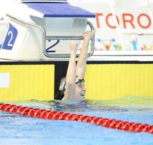 Sierra Schmidt wins the 800m freestyle - Toronto 2015
