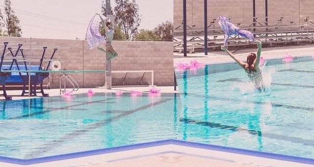 slideshow-hailley-aqua-fabric-jump