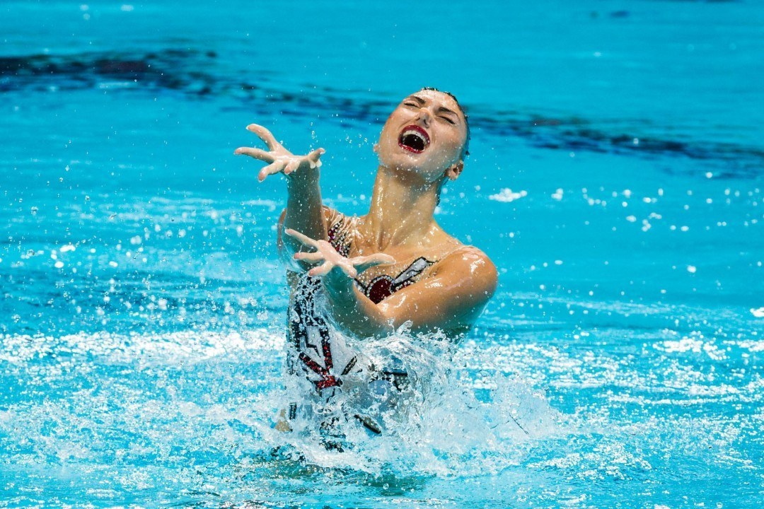 Fox Agrees to Put-Pilot Sitcom About Synchronized Swimming