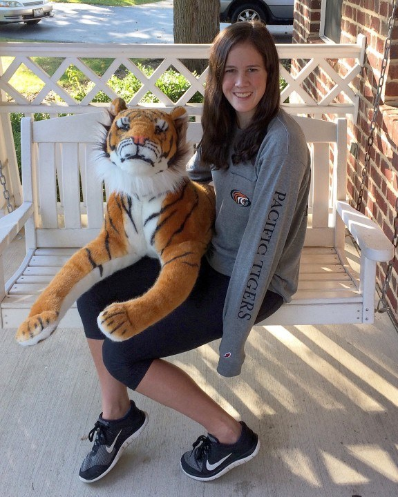 Glenbrook Aquatics' Erin Oliphant Gives Verbal to Pacific Tigers
