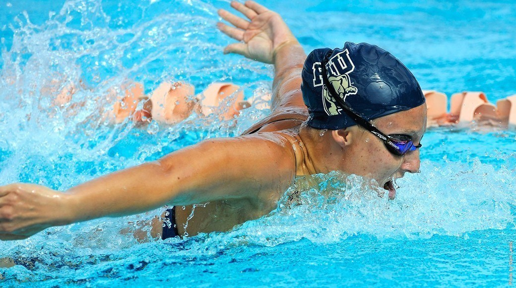 Sophomores Shine at FIU's Dual-a-Palooza; Day 1- FIU vs. Rice