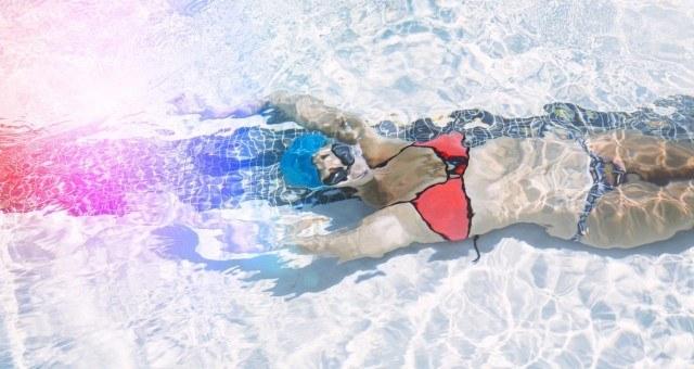 slideshow-1000hailley-jane-underwater