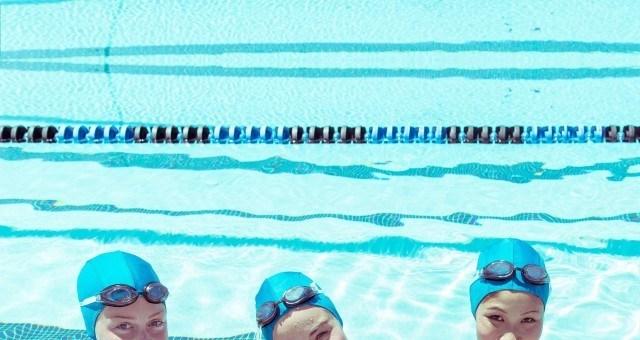 slideshow-aqua-swim-caps-googles