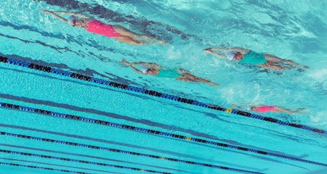 slideshow-hailley-aqua-upside-down-swim