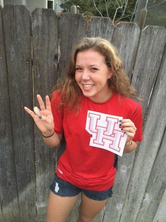 DART Distance Swimmer Sydney Larson Verbals to Houston