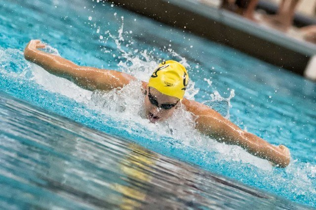 Caitlin Leverenz on the fly leg of the 200 IM (photo: Mike Lewis)