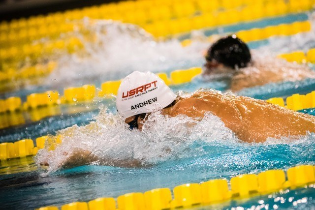 Michael Andrew in the 100 breaststroke final (photo: Mike Lewis, Ola Vista Photography)