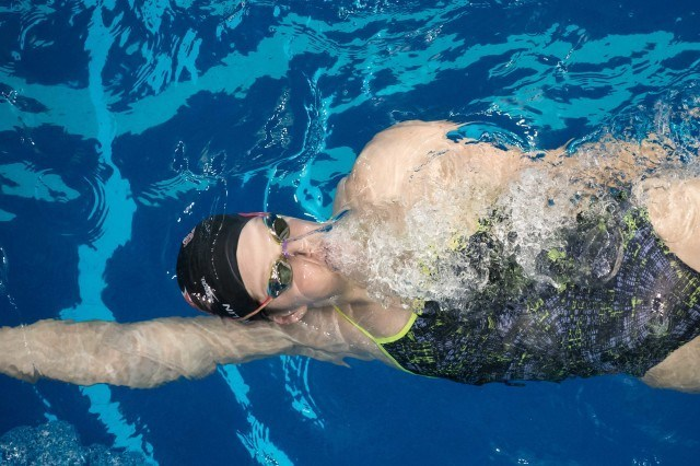 Missy Franklin from above (photo: Mike Lewis)