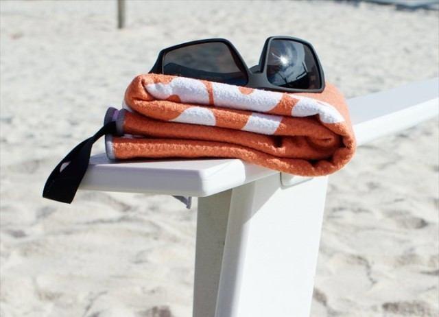 SnappyTowels-compact-microfiber-swim-towel