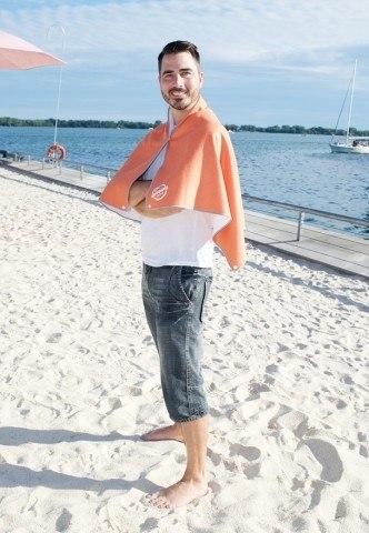 SnappyTowels-microfiber-swim-towel-poncho-coverup