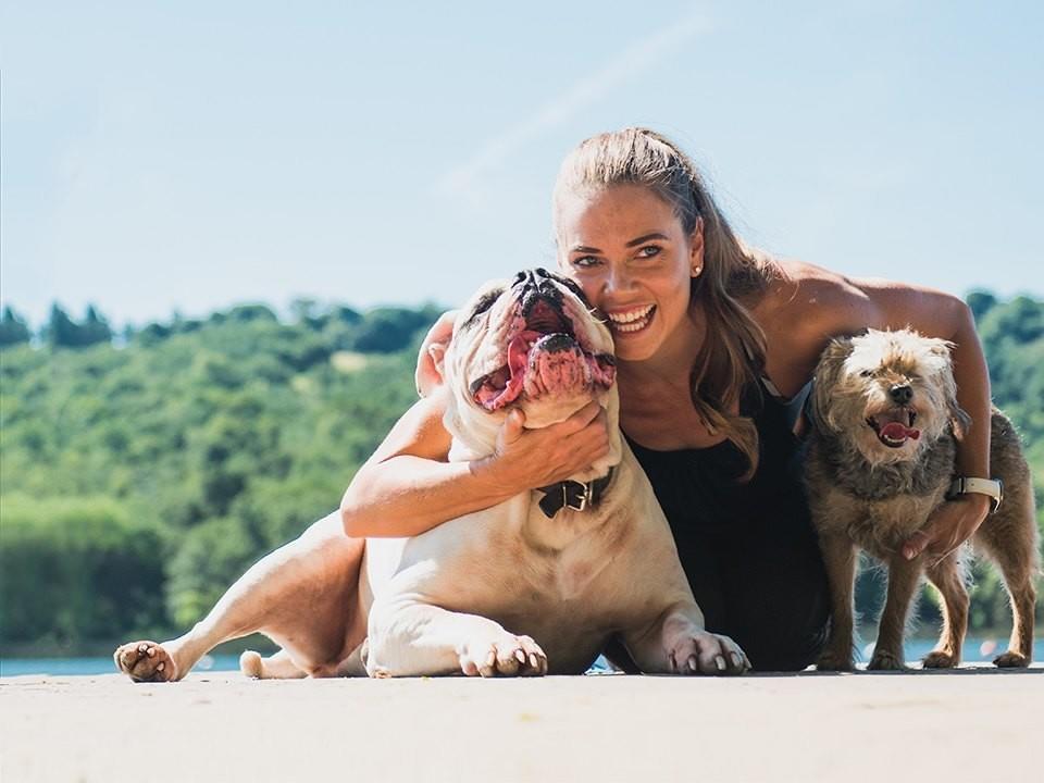 Streicheleinheiten bei US Trials: Therapiehunde im Einsatz