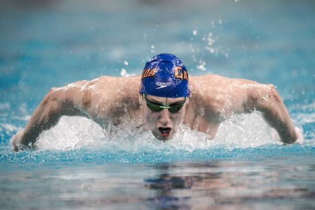 Dan Wallace in the prelims of the 200 IM in Austin Texas (photo: Mike Lewis)