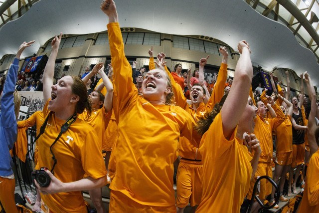 Tennessee Volunteer Swimming and Diving Team during day 1 of SEC Swimming and Diving Championships at the University of Missouri Mizzou Aquatic Center in Columbia, MO. Photo By Craig Bisacre/Tennessee Athletics