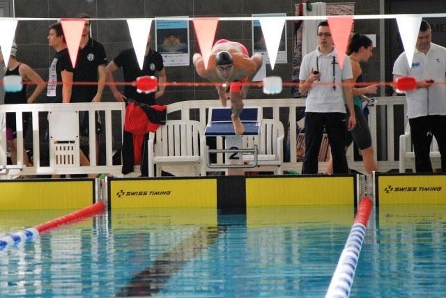 Hendrik Feldwehr startet - 100 m Brust.